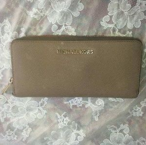 Michael Kors Bags - MICHAEL KORS Wallet (*48 Hour Price Drop!*)